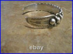DELIGHTFUL 1940's Old Fred Harvey Era BELL Navajo Sterling DOME Row Bracelet