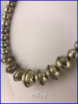 Hand Stamped Bench Navajo Pearls Graduated Sterling Silver Bead Necklace 20 335