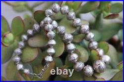 Vintage stamped sterling silver GRADUATED NAVAJO PEARLS BENCH BEAD Necklace 16